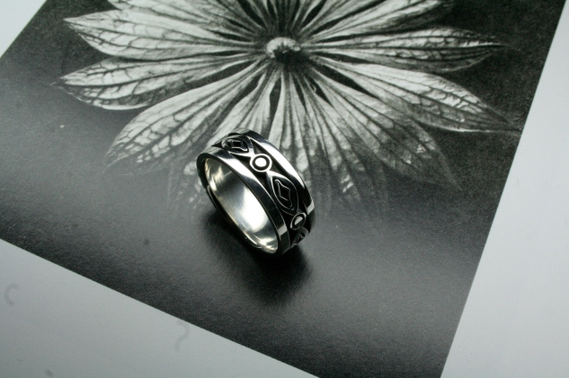 Men's Celtic Inspired White Gold Wedding Band with contrasting Patina