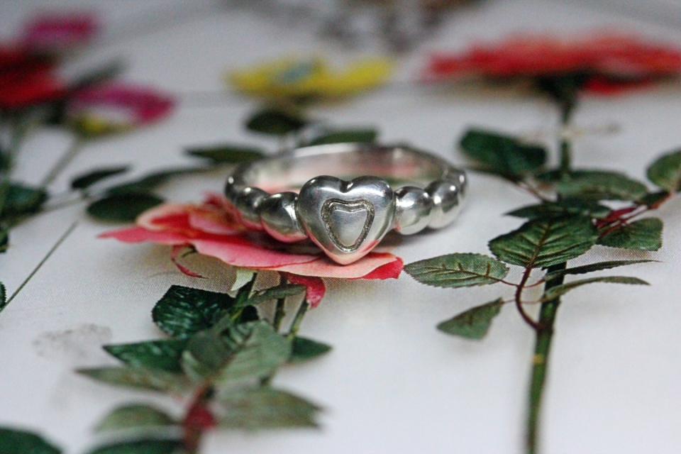 Jamie heart ring