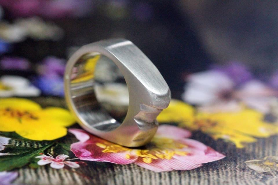 Jenny ring