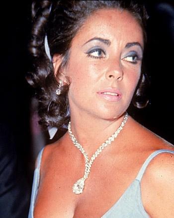 elizabeth-taylor-burton-diamond-necklace