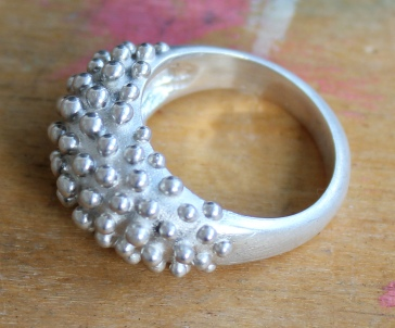 wax_dot_ring