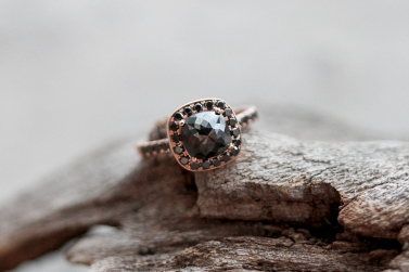 Black Diamond Halo rose gold 2
