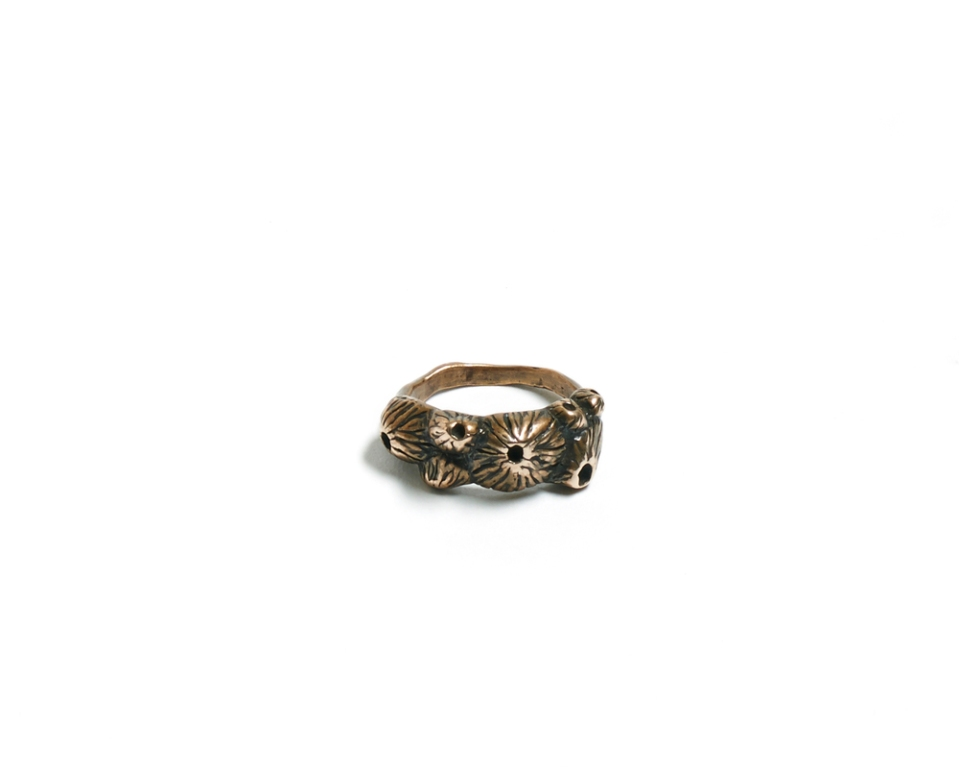 Barnacle-Cluster-ring-white