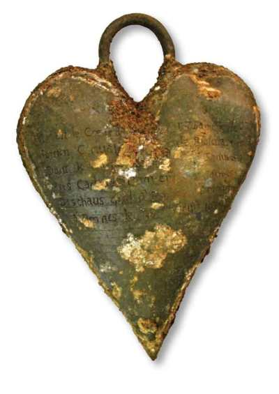 Trenches-French-Noblewoman-Heart-Relic